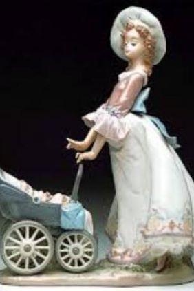 Comprar Figura mujer carrito niño de Lladró 5878 online