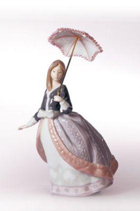 Figura mujer parasol de Lladró 5211 online