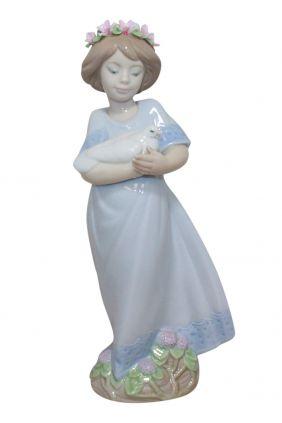 Comprar online Figura niña ramo flores de Lladró 5604