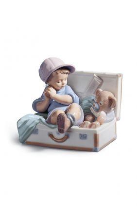 Comprar online figura niño en maleta Lladró 6795