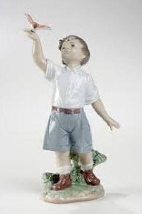 Comprar figura niño paloma de Lladró 8060 online