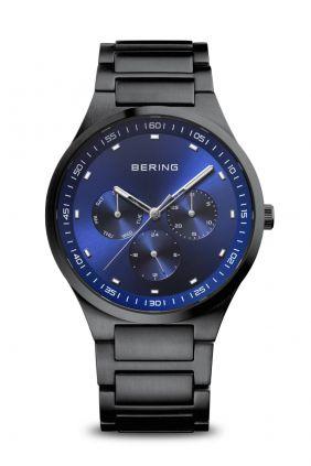 Comprar online Reloj Bering Classic negro cepillado hombre 11740-727